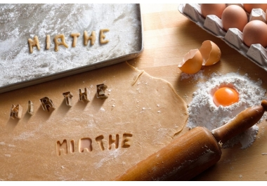 I will write your text using cookie cutters for Christmas