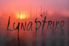 I will write your text on a window with raindrops