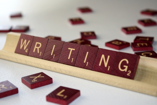 do 500 words content & Copy Writing for you