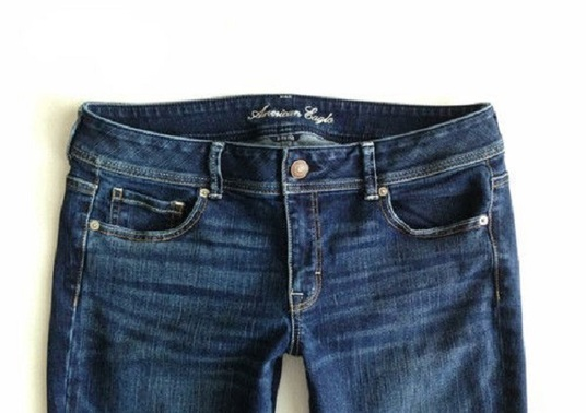 I will wholesale original denim jeans for mens & women at low price