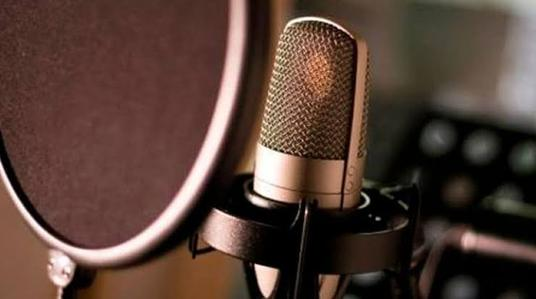 Be your female voice over narrator