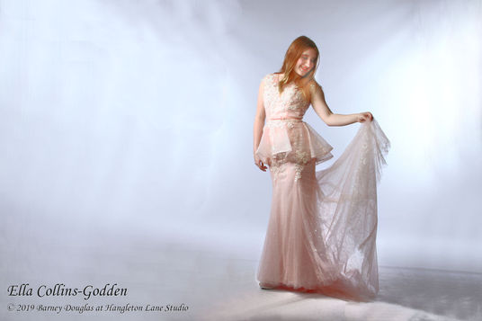 do a FREE 1 hour prom gown photo shoot (and I'll give back the £5)