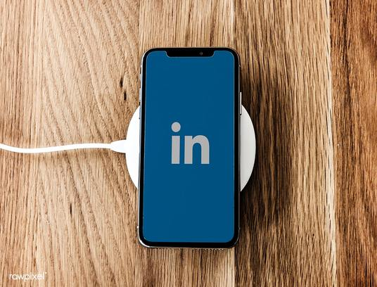 I will deliver 10 Linkedin Custom Comments