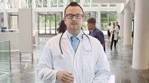 I will be your scientist doctor spokesperson actor in lab coat for medial health video commercial