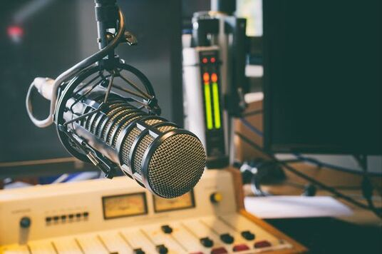 play your advert to 200,000 listeners on my radio show