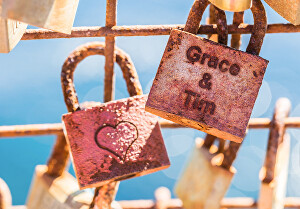 I will edit and put your TEXT in that love lock