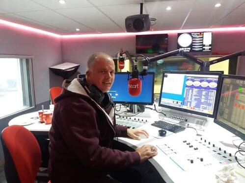 record presenter voicetracks for your radio station